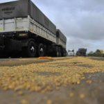 Deputados Federal propõe uso obrigatório de lona interna em implementos graneleiros.